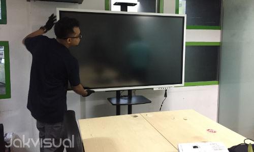 Papan tulis interaktif - Samsung Flip 2